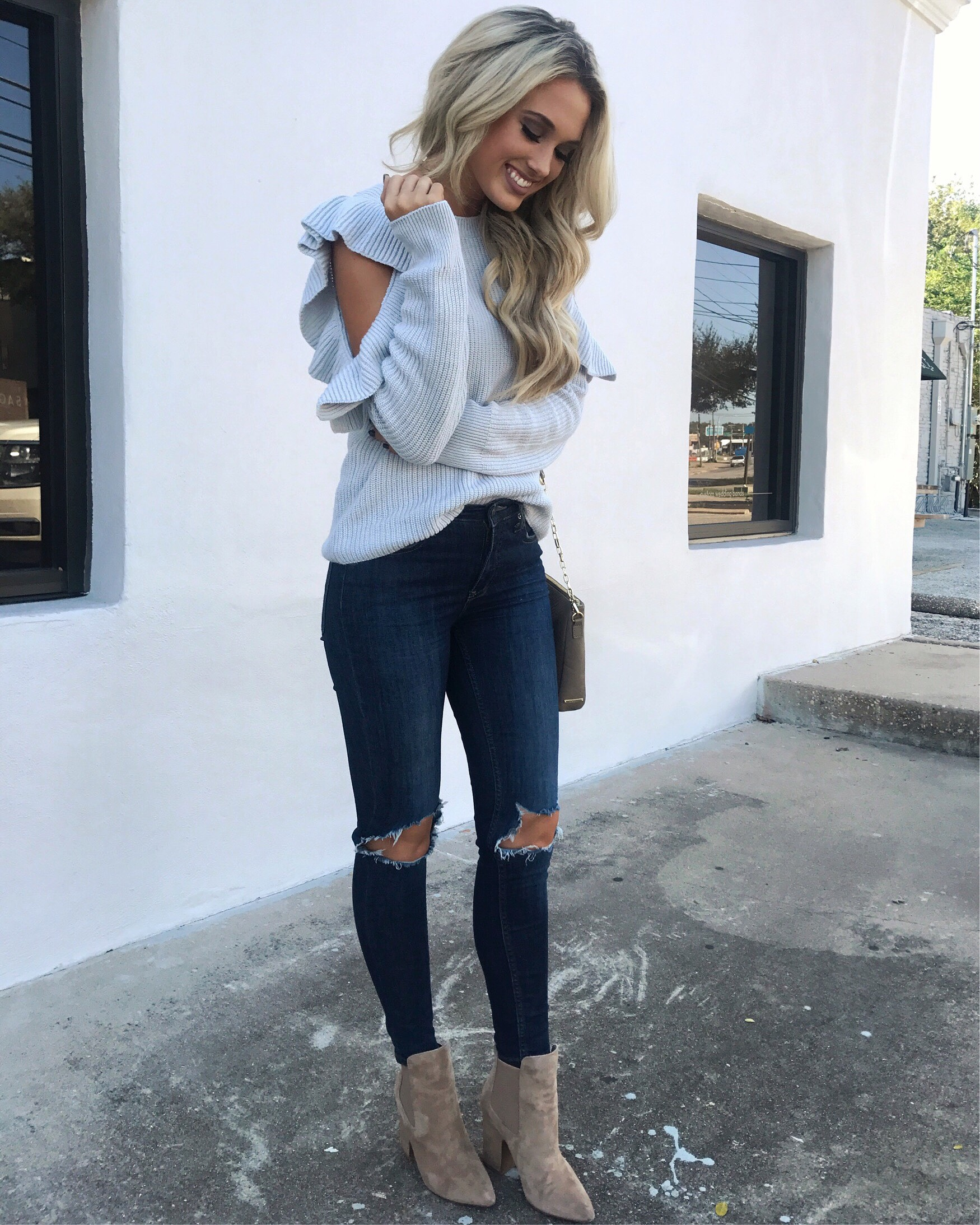 ACLoutfit